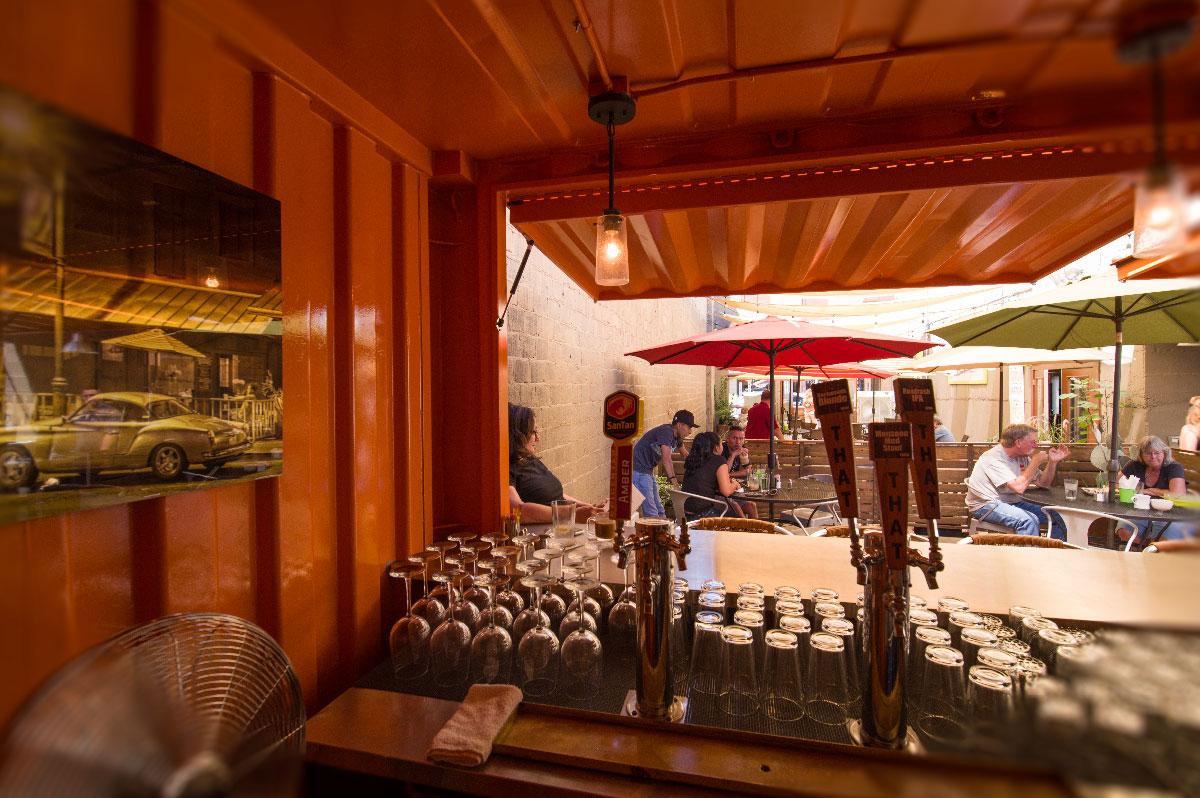 outdoor-bar2.jpg
